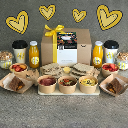 Caja de Desayuno de Aniversario para Dos Personas
