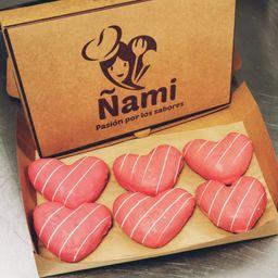 Caja 6 Donuts de Corazón con Cobertura de Frutilla