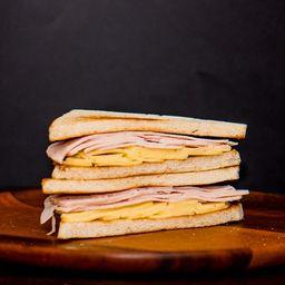 Sándwich Miga Jamón Queso