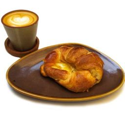 Promo Croissant Jamón-Queso y Cappu.