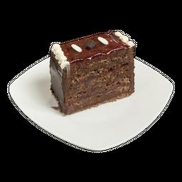 Trozo de panqueque chocolate y frambuesa