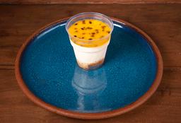 Torta de yogurt con maracuyá