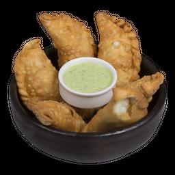 Empanaditas (Pollo, Queso y Mechada)