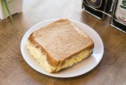 Sandwich pasta de huevo