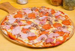 Pizza Familiar Francis Bacon