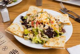 Quesadilla Explosión Salad