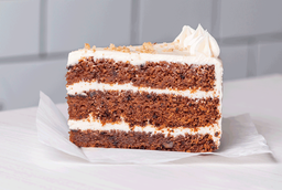 Trozo torta carrot cake