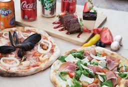 2 Pizzas + 2 Postres + 4 Bebidas 350cc