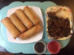 Carne Mongoliana con Arroz y Arrollados Primavera