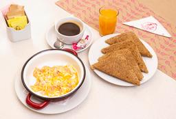 Paila de Huevos + Café + Jugo Natural