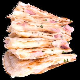 Quesadilla de Chili con Carne