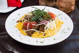 Fetuccini a la Huancaína con Filete Salteado