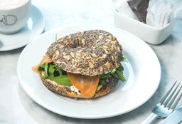 🥪 Sándwich Bagel con Salmón Ahumado