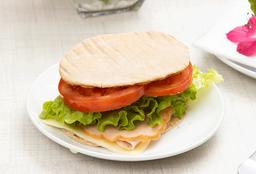 Sándwich en Pita con Jamón de Pavo