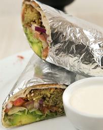 2x1 Shawarma Vegetariano con Croquetas de Falafel + Papas Fritas