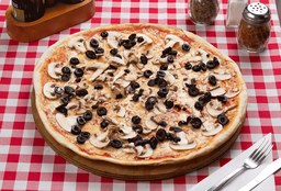 Pizza Al Funghi Familiar