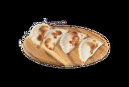Empanadas de Queso con Camarones y Ciboulette