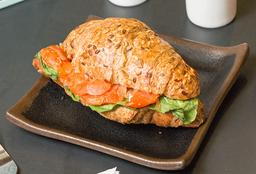 Croissant Salmón Rúcula