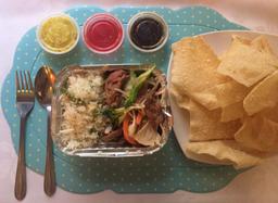 Chapsui de Carne con Arroz Chaufán + Wantan Frito