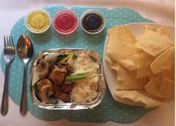 Carne champiñones con arroz chaufán + Wantán frito (10 un)