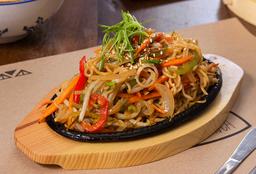 Yaki Ramen Noodles con Pollo