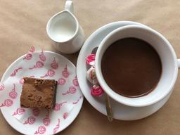 Browinie +Chocolate Caliente