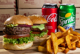 Combo 2 Burger + 1 Papa Grande + 2 Bebidas 350 cc.