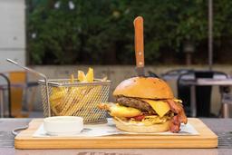 Medanos Burger + Papas Fritas + Bebida