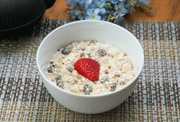 Yogurt Con Mermelada Y Granola