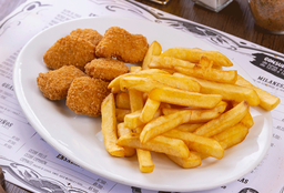 Nuggets con Papas Fritas