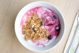 Yogurt, Berries y Granola