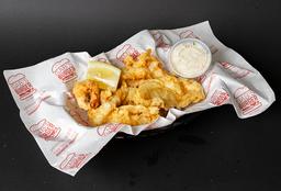 Calugas de Pescado Frito con Salsa a Elección