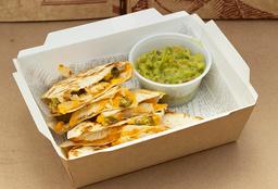Chicken Quesadillas con Guacamole