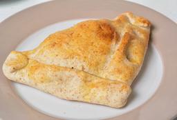 Empanada De Queso Azul Con Champiñones Salteados