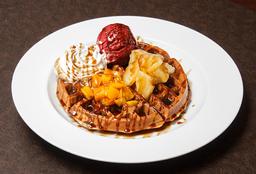 Waffle Piña Durazno + Helado