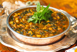Chole Palak (garbanzo)