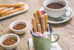 Combo Chocolate Caliente y Churros