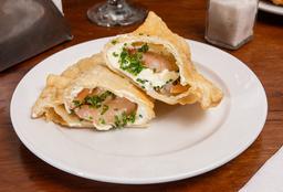 Empanada Camarón, Queso Crema, Ciboulette