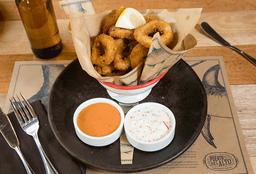 Calamares fritos + 2 salsas + Bebida