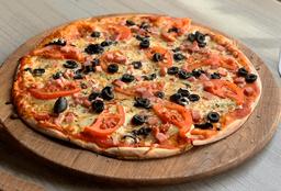 Pizza Napolitana + 2 Bebidas 350 ml