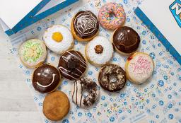 Promo 18 Donuts.