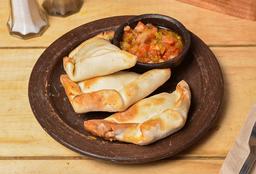 Empanaditas Con Pebre