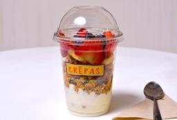 Granola + Yogurt + Fruta
