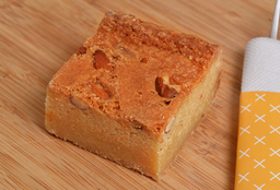 Fudge blondie