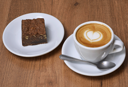 Café o Té + Brownie