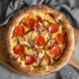 Pizza Tres Carnes