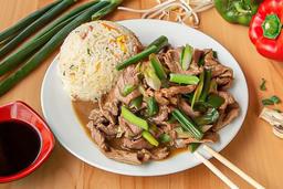1 Carne Mongoliana +Arroz Chaufan