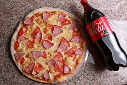 Pizza Mediana + Bebida 1.5 lts