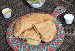 Empanada de Queso y Salame