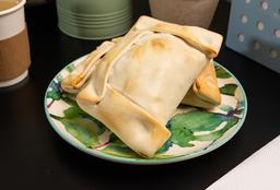 Empanada Grande Queso Jamón